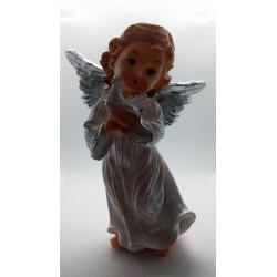 Aniołek stojący z gołąbkiem - żywica